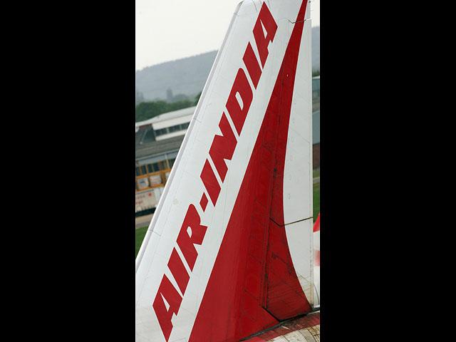 """""""Эль-Аль"""" подал иск в БАГАЦ, требуя запретить полеты Air India над Саудовской Аравий"""