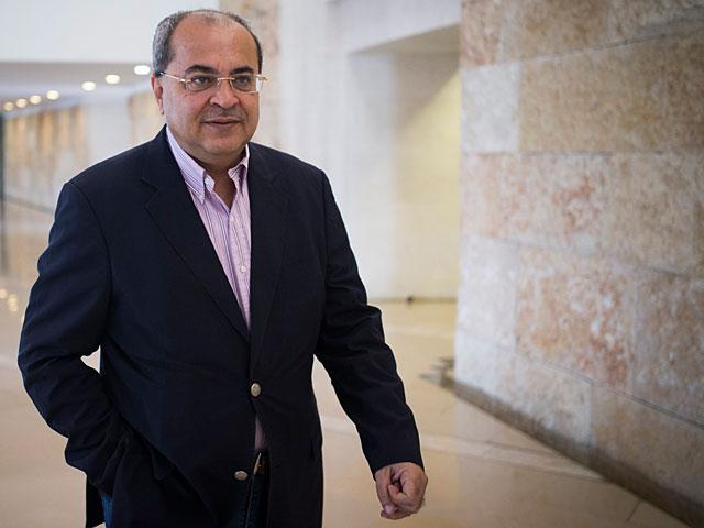 Ахмад Тиби посетил находящегося в больнице Махмуда Аббаса
