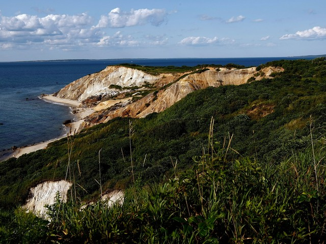 Частный остров в Средиземном море продан за 3,2 миллиона евро (иллюстрация)