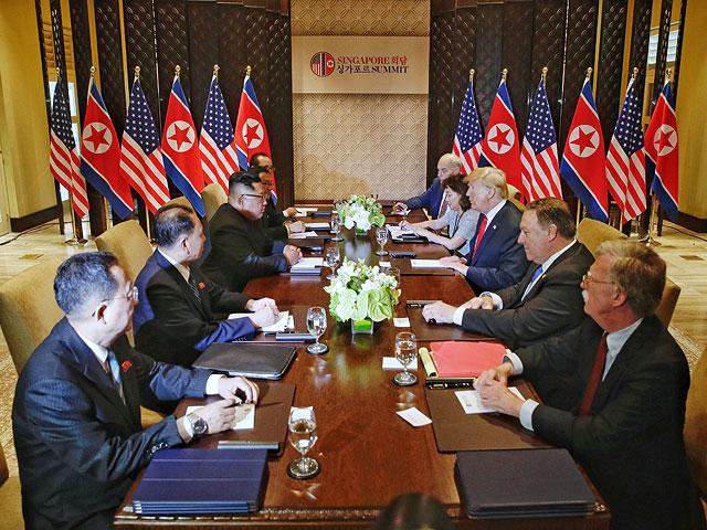 Ким Чен Ын и Дональд Трамп. Сингапур, 12 июня 2018 года