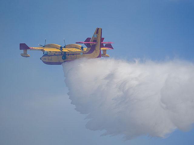 Пожар в Умм эль-Фахм, задействованы самолеты