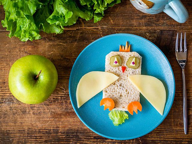 Кнессет утвердил инструкции по здоровому питанию в школах. Список запрещенных продуктов