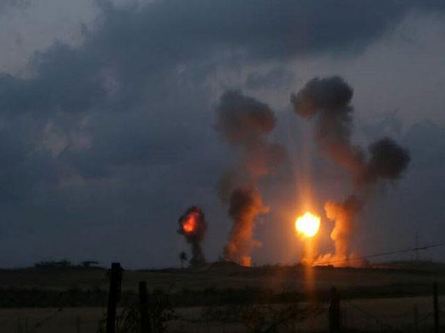 """ЦАХАЛ атаковал группу террористов, запускавших """"огненные шары"""" из Газы"""