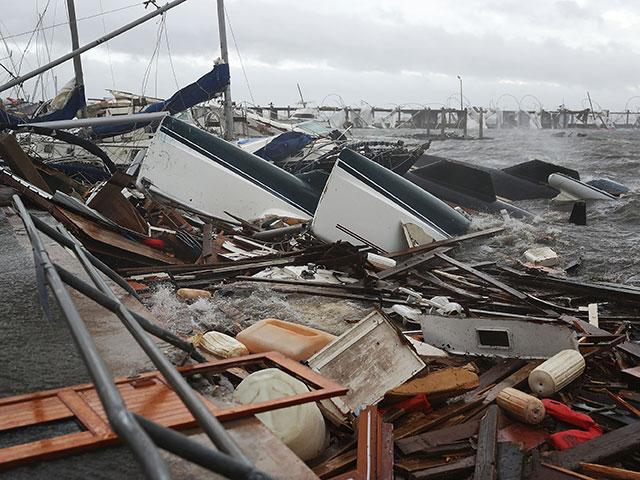 """Жертвами урагана """"Майкл"""" в США стали не менее 17 человек"""