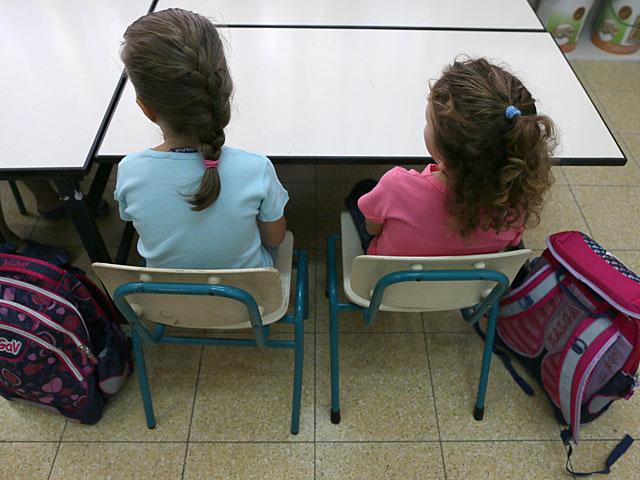 """Минпрос рекомендовал учителям округа Шфела подготовить детей к """"огненному террору"""" из Газы"""