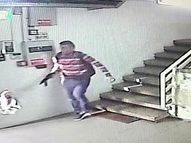 Ашраф Наалуа (на месте теракта)