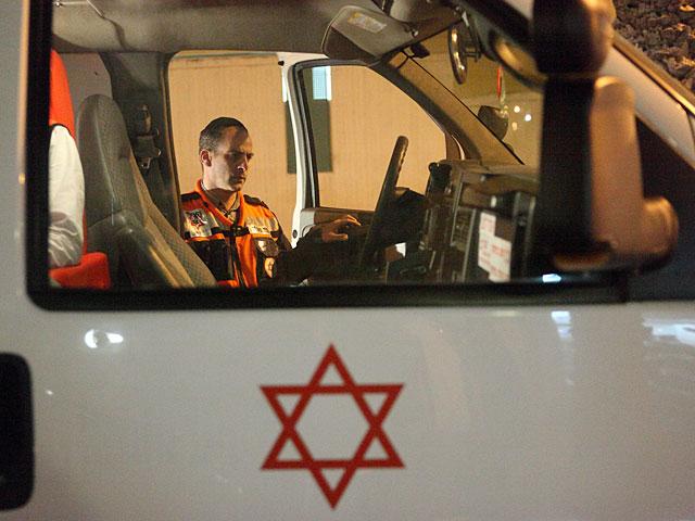 В больницу в Петах-Тикве доставлен палестинский араб, сбитый около Шхема
