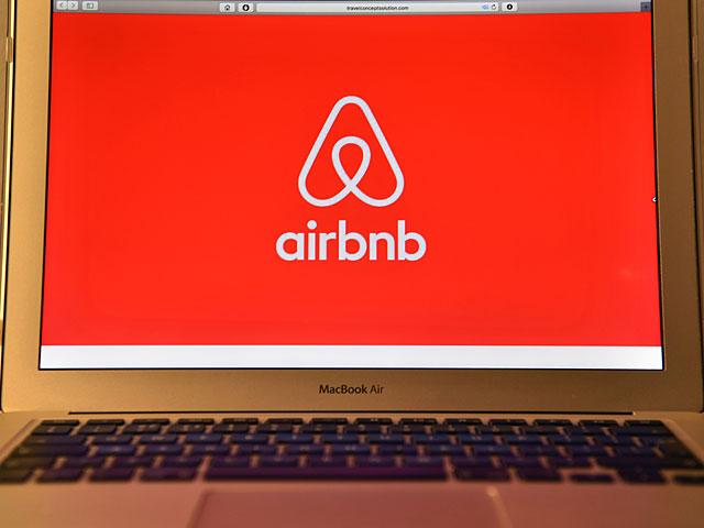 """Вновь избранный губернатор Флориды """"отомстит"""" сайту Airbnb за евреев"""
