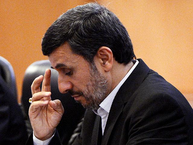 """Ахмадинеджад обвинил """"банду трех"""" в узурпации власти в Иране"""