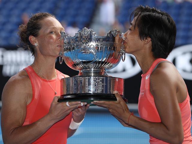 Открытый чемпионат Австралии: Саманта Стосур и Чжан Шуай стали победительницами в парном разряде