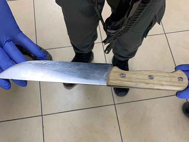 Нож, обнаруженный у задержанного