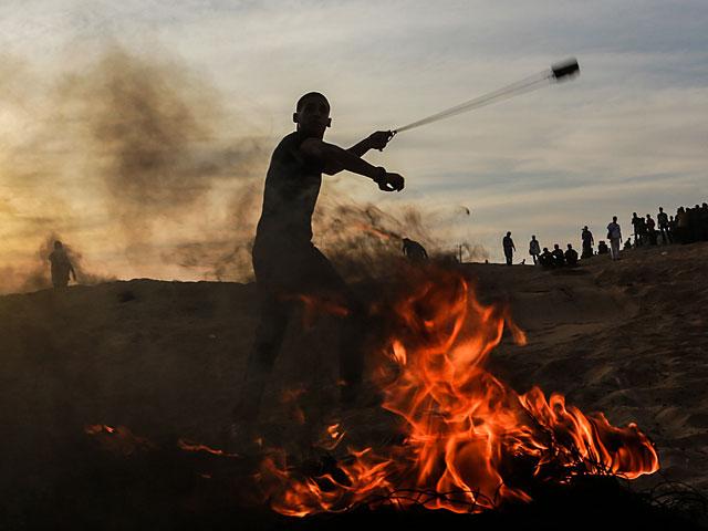 """Возобновились """"ночные столкновения"""" на границе с сектором Газы"""