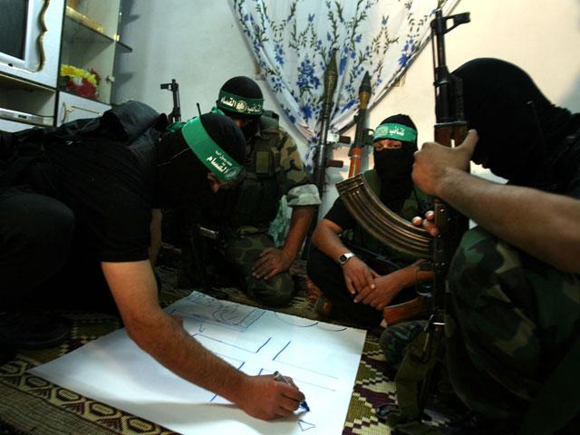 """Телеканал """"Аль-Арабия"""": """"ХАМАС эвакуирует своих людей со всех военных объектов в Газе"""""""