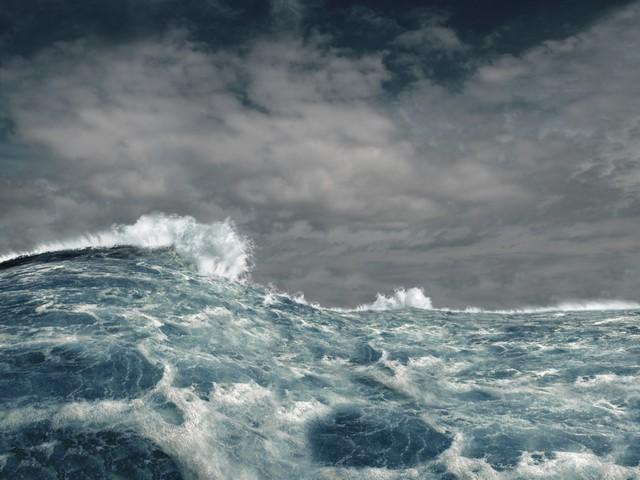 Возле побережья Норвегии терпит бедствие круизный лайнер с 1.300 пассажирами на борту