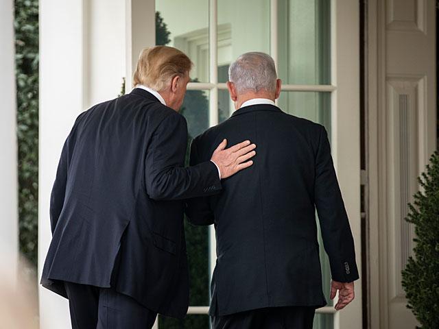 Биньямин Нетаниягу отложил возвращение в Израиль
