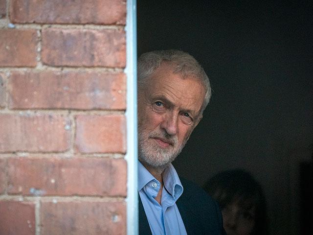 Корбин признал, что Лейбористская партия игнорировала антисемитизм в своих рядах