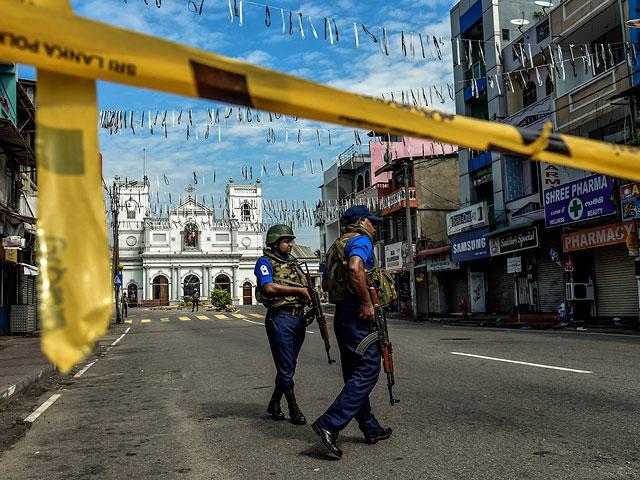 На месте теракта в Коломбо, 24 апреля 2019 года