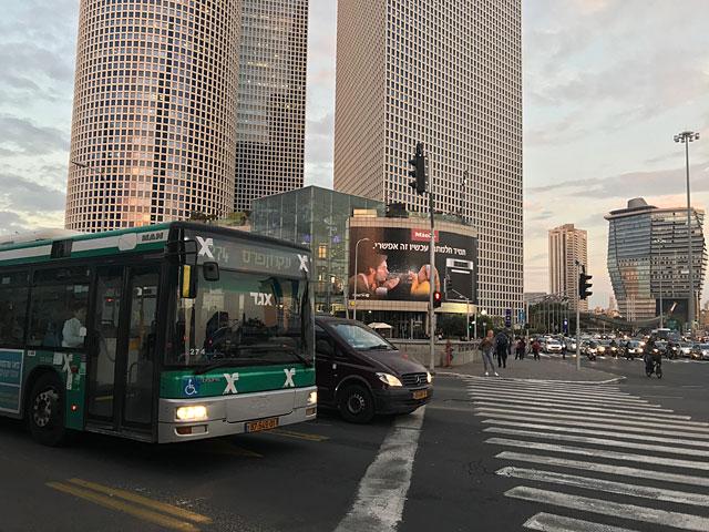 """Отключение светофоров привело к пробкам возле """"Азриэли"""" в Тель-Авиве"""