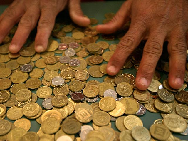 Радиостанция, приговоренная к штрафу, заплатила истцу 30 тысяч шекелей, монетами по 10 агорот