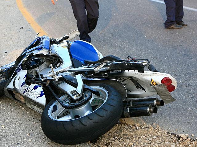 В результате аварии возле Мево-Модиим серьезно пострадал мотоциклист