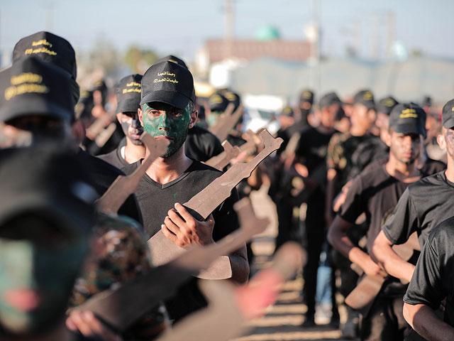 Летний лагерь в Газе: выпускной юных боевиков