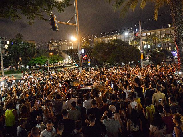 """Митинг против отмены фестиваля """"Дуф"""". Тель-Авив, 7 июня 2019 года"""