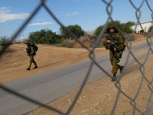 Военнослужащие задержали нарушителя возле границы Газы