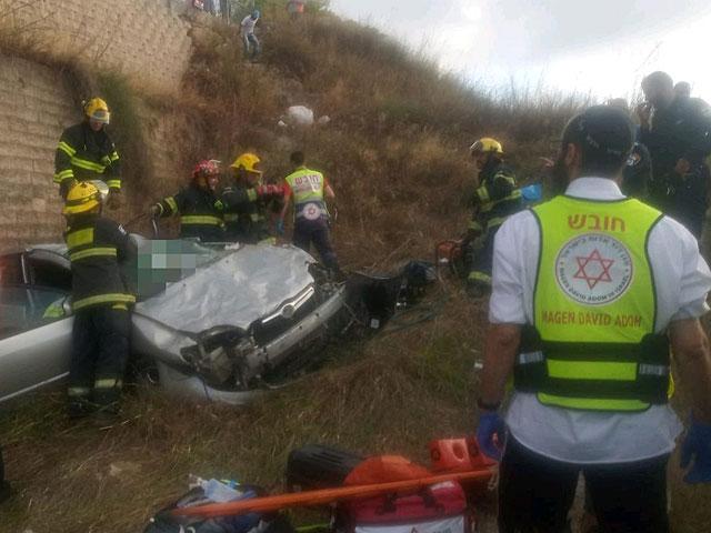 Возле Нацрат-Илита сорвался с обрыва автомобиль, водитель в тяжелом состоянии