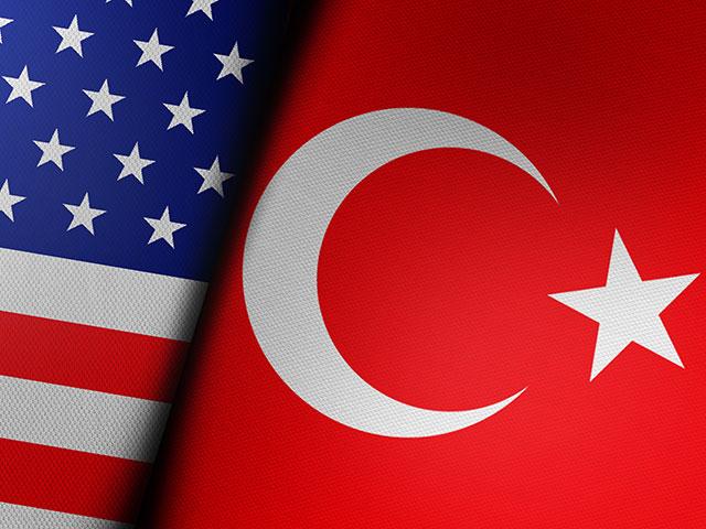 Помпео выразил Чавушоглу разочарование в связи с покупкой Турцией С-400