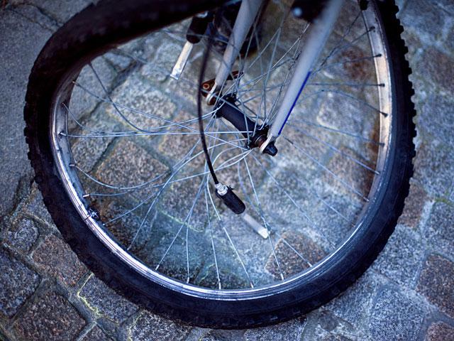 Возле Гиват а-Шлоша под колесами автомобиля погиб 30-летний велосипедист