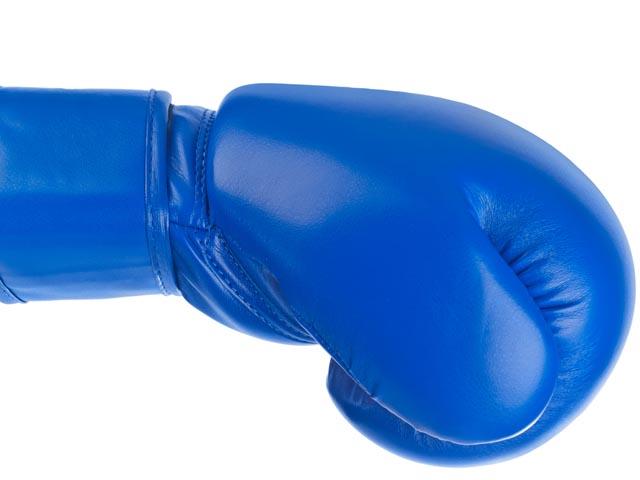 Известный боксер покончил с собой в тюрьме