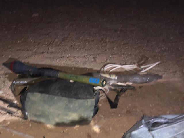 При террористах были обнаружены автоматы Калашникова, гранаты и ручной противотанковый гранатомет.