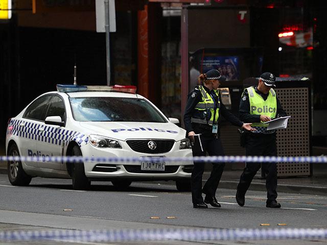 """В Сиднее мужчина напал на прохожих с криками """"Аллах Акбар"""""""