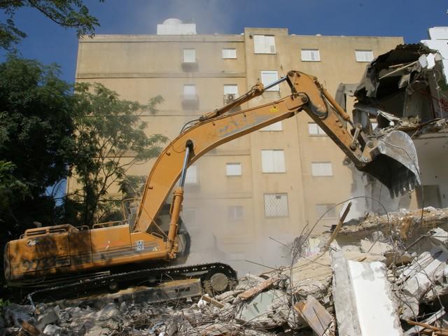 """В тель-авивском районе Яд-Элиягу продвигают новый проект """"пинуй-бинуй"""""""