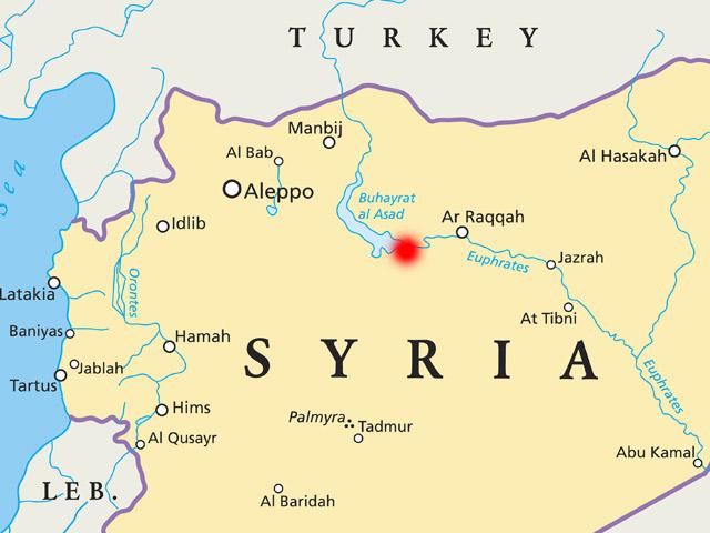 """""""Аль-Маядин"""": армия Сирии взяла под контроль город Табка и продвигается к границе с Турцией"""