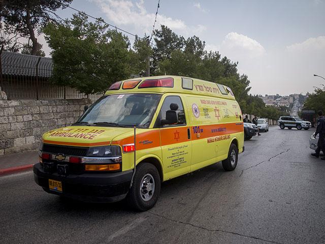 На территории Беэр-Тувия автомобиль сбил 6-летнюю девочку