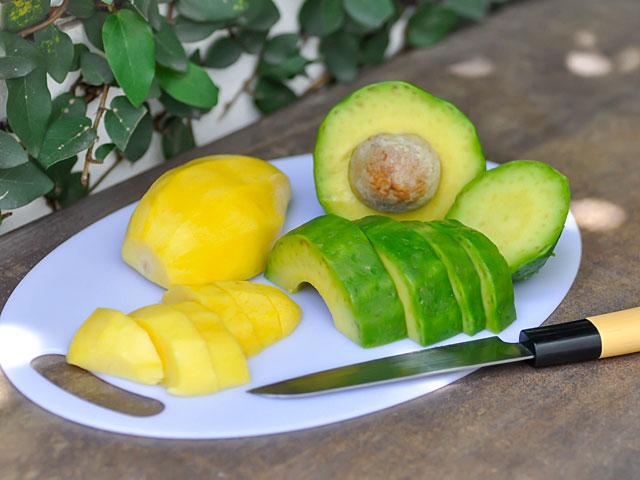 Веганы из Флориды уморили голодом сына, которому давали лишь  авокадо и манго