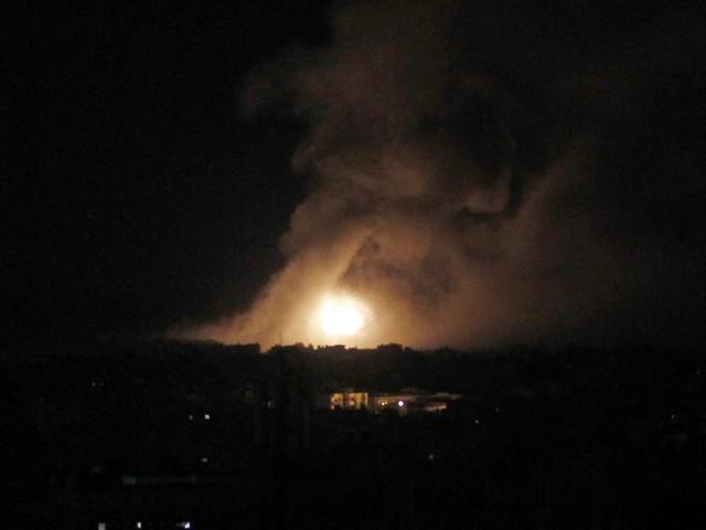 "SOHR: ЦАХАЛ атаковал ""Хизбаллу"" и проиранские силы к югу от Дамаска"