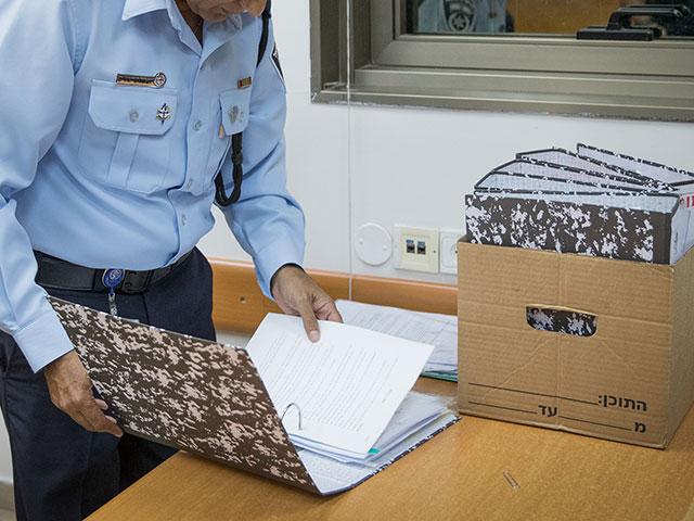 Мандельблит: Биньямину Нетаниягу будут предъявлены обвинения по трем делам