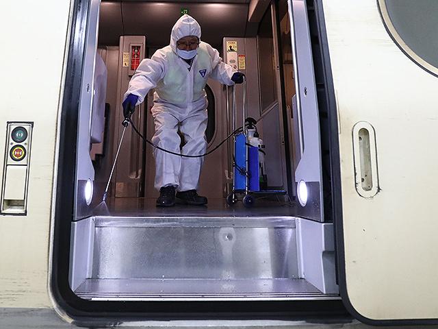Жертвами коронавирусной болезни в мире стали более 27000 человек, в США свыше 100000 заболевших