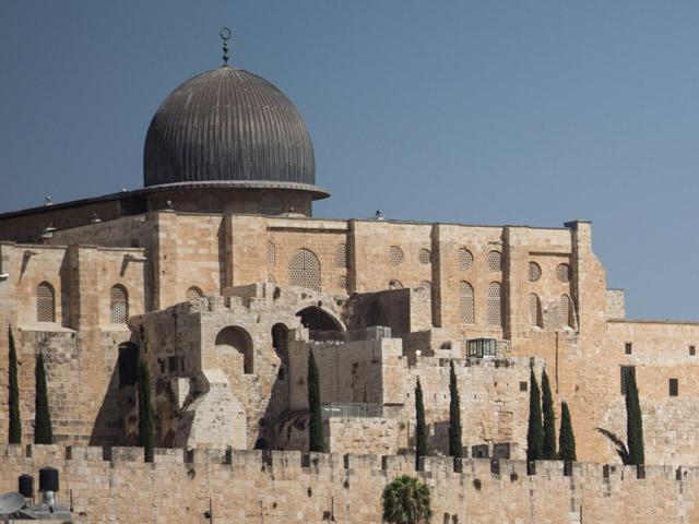 Мечеть Аль-Акса в Иерусалиме открылась для мусульман