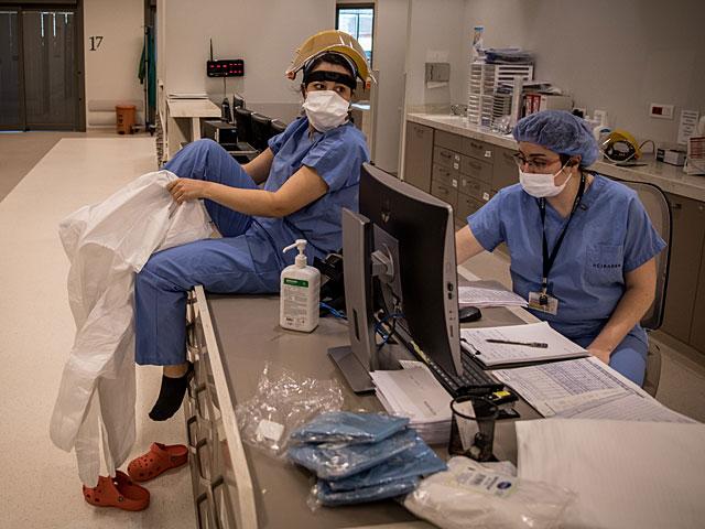 Число жертв коронавируса в Иране превысило 8000 человек