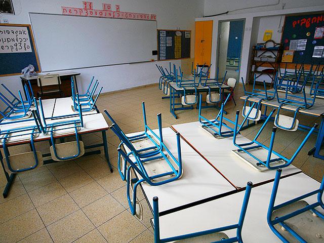 Минпрос одобрил комбинированное обучение школьников средних и старших классов