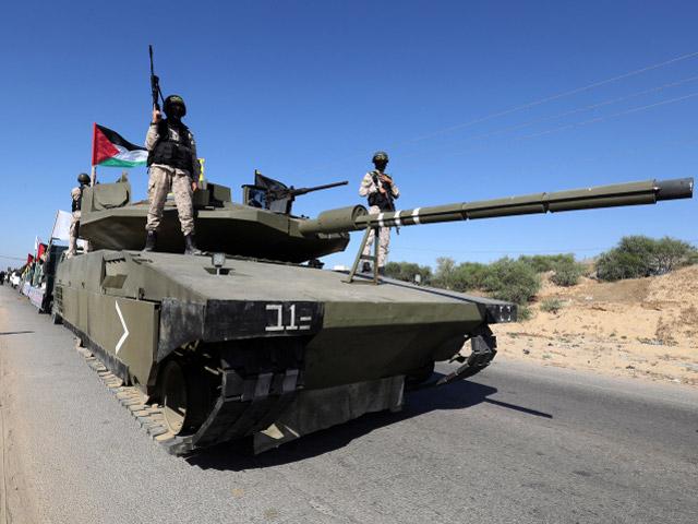 Парад Исламского Джихада в Рафиахе, 22.06.21 с израильским танком