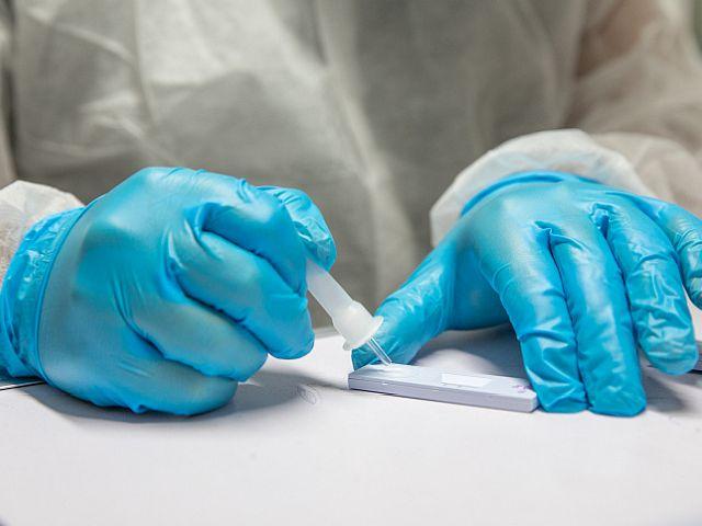 Число жертв эпидемии коронавируса в Израиле превысило 8 тысяч