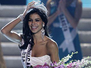 Мисс США 2010 Рима Факих – победительница стриптиз-конкурса: ее корона в опасности