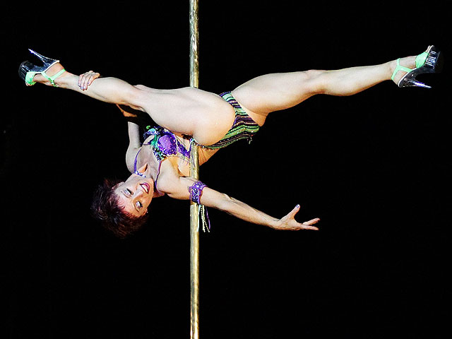 Джоанна - одна из победительниц конкурса Miss Pole Dance Australia 2010