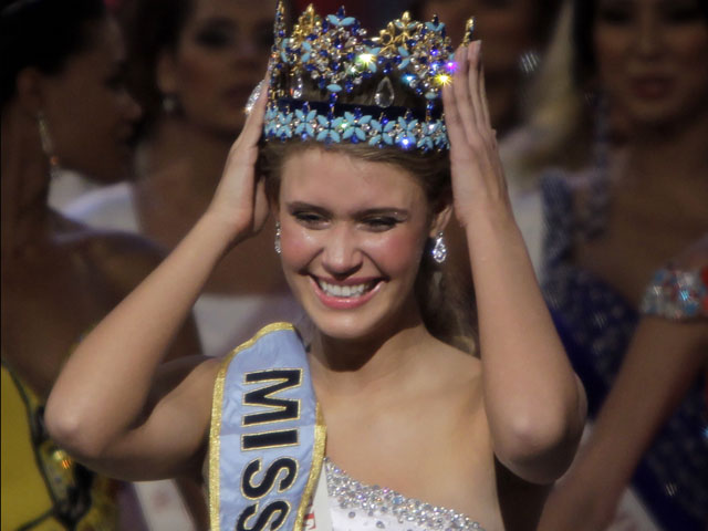 """Голая королева"". Скандал вокруг нескромного фото ""Мисс ...: http://natali-ya.livejournal.com/391670.html"