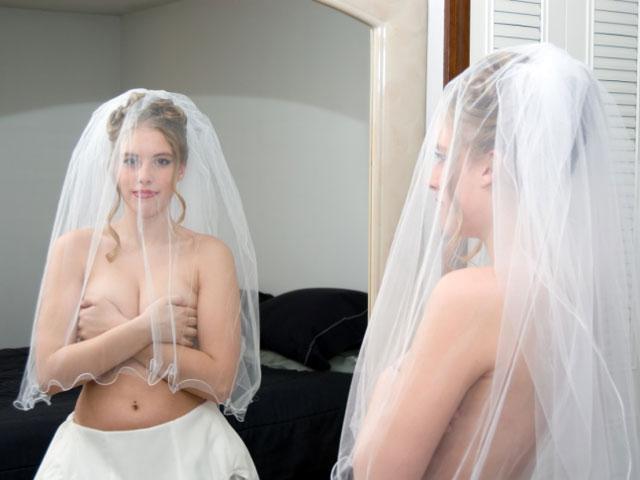 Голая Света Ходченкова актриса видно её сиськи попку и