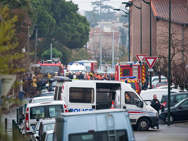 К северу от Тулузы идет операция по захвату террориста, устроившего бойню в еврейской школе